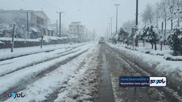 شدید برف در سیاهکل و عملیات برفروبی و پاکسازی معابر 14 600x337 - بارش برف و باران از عصر فردا
