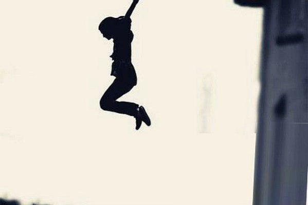 یک دختر جوان در رضوانشهر 599x400 - اولین خودکشی سال 98 / دختر 18ساله خود را کشت