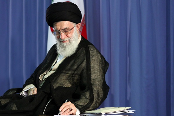 رهبر معظم انقلاب اسلامی سیاستهای کلی خانواده را ابلاغ کردند - توقف حکم اعدام سارق نادم با دستور رهبری