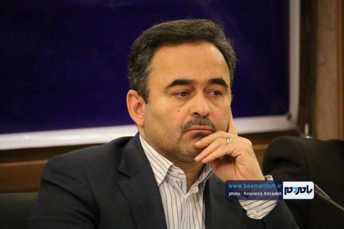 مردم لاهیجان نسبت به برف روبی سقف واحدهای مسکونی و تجاری اقدام کنند