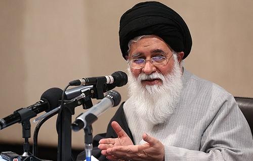 امام جمعه مشهد در زمان دولت احمدی نژاد: نقد دولت باید مردانه باشد نه شيطنتآميز