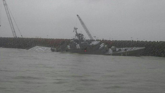 دماوند،بزرگترین کشتی جنگی ایران در دریای خزر،در حال غرق شدن است!