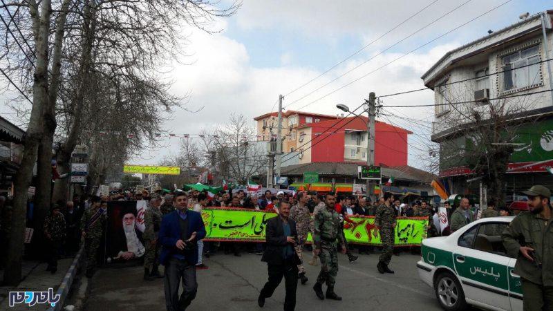 راهپیمایی باشکوه ۲۲ بهمن در بندر کیاشهر برگزار شد + گزارش تصویری
