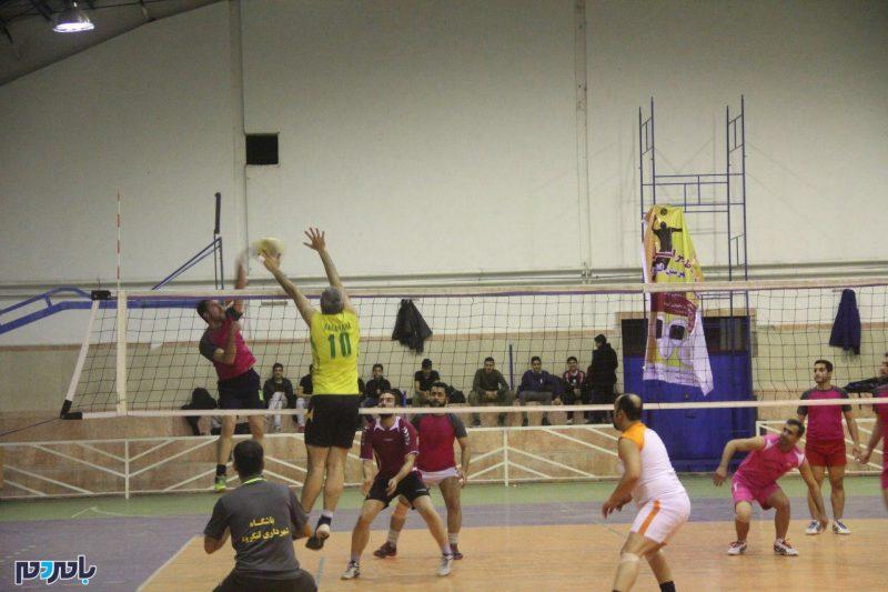 قهرمانی آتش نشانی شهرداری لنگرود در مسابقات والیبال دهه فجر   گزارش تصویری