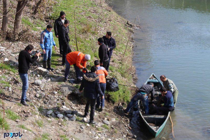 پویش مردمی برای پاکسازی رودخانه آستارا ادامه دارد | گزارش تصویری