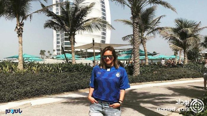 دختر شفر در حال خوشگذرانی در سواحل دوبی با پیراهن استقلال + عکس