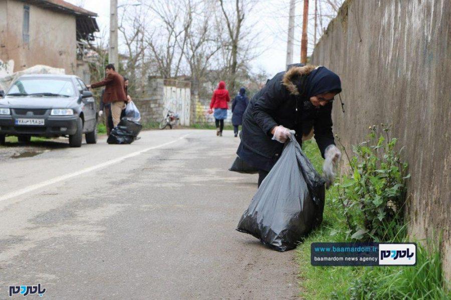 پاکسازی مردمی خیابانهای بیبالان کلاچای از زباله در آستانه نوروز به روایت تصویر