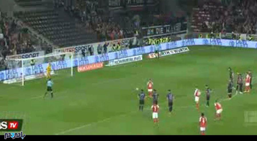 فیلم   اتفاقی عجیب در تاریخ داوری فوتبال؛ اعلام پنالتی در بین دو نیمه