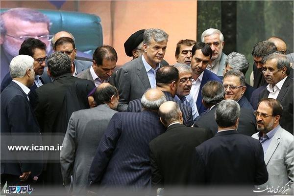 التهاب در مجلس؛ شعار استعفا استعفای رئیس بانک مرکزی در صحن علنی + فیلم