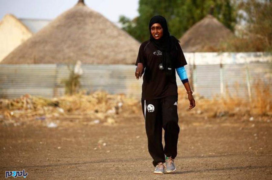 برای اولین بار یک زن عرب مربی فوتبال مردان شد! + عکس