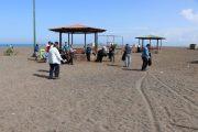 گزارش تصویری؛ پاکسازی ساحل سحرخیزمحله لاهیجان