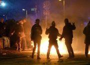 باهنر: فکر میکنند اگر آجری از زیر پای دولت بکشند به انقلاب خدمت کردهاند