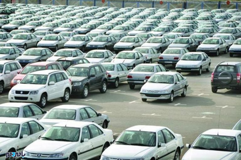 عرضه خودروهای داخلی به بازار متوقف شد