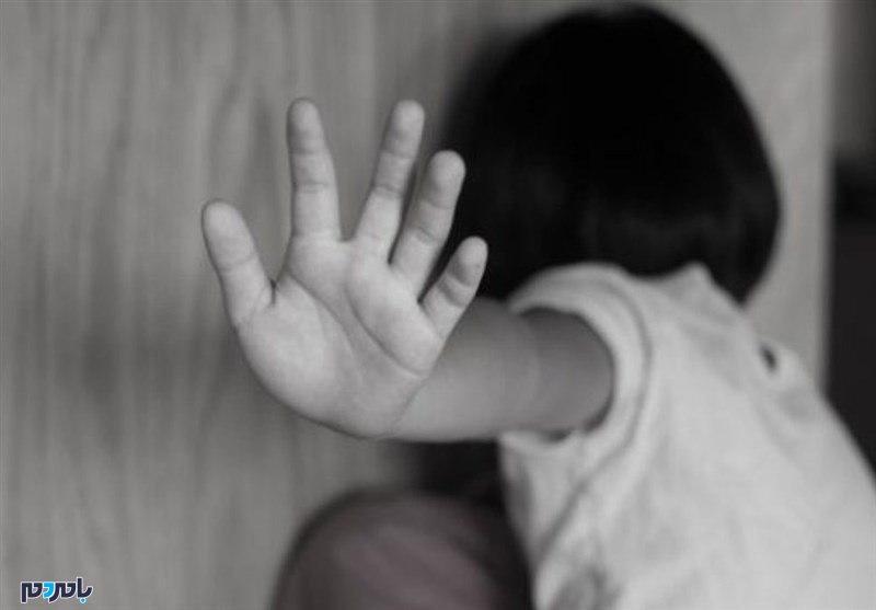 تجاوز معلم خصوصی به دختر جلوی چشم مادر در روزهای کرونایی
