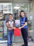 توزیع کیسههای پارچهای توسط کمیته محیط زیست باشگاه کوهنوردی باران لاهیجان + تصاویر