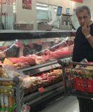 اختلاسگر ۳۰۰۰ میلیاردی ایرانی در حال خرید قوت روزانه در کانادا !