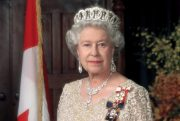 ملکه انگلیس زنده به گور شد