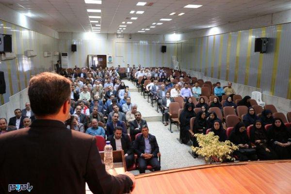 از کارمندان نمونه لاهیجان 4 1 600x400 - کارمندان نمونه شهرستان لاهیجان تجلیل شدند / گزارش تصویری