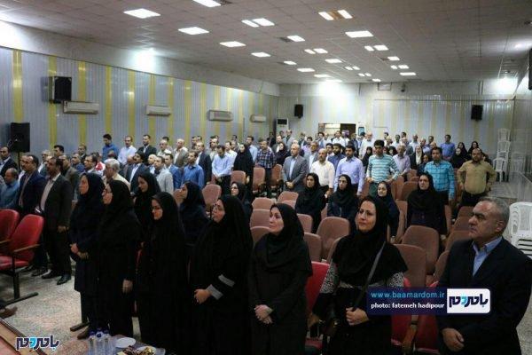 از کارمندان نمونه لاهیجان 8 600x400 - کارمندان نمونه شهرستان لاهیجان تجلیل شدند / گزارش تصویری