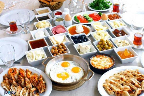 صبحانه سالم 747x498 600x400 - مناسب ترین خوراکی های مفید و انرژی بخش برای وعده صبحانه