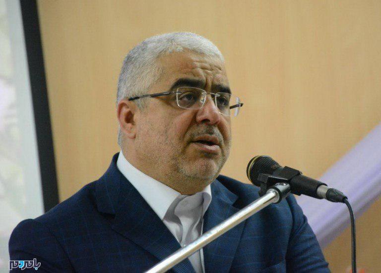 مشکل دیدار با رئیس دولت اصلاحات چیست؟ / او خطرناک است یا احمدی نژاد؟