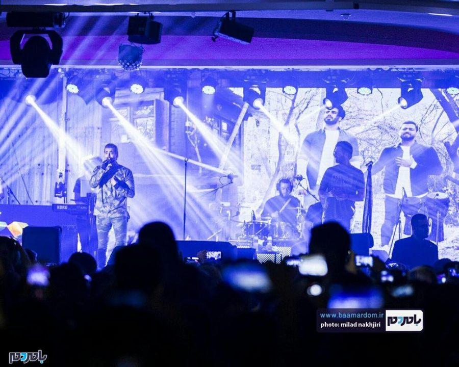 موسیقی «ماکان بند» در لاهیجان 14 - گزارش تصویری کنسرت موسیقی «ماکان بند» در لاهیجان