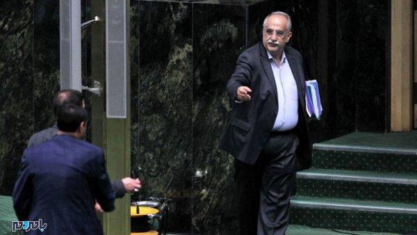 2853012 600x338 - مجلس وزیر اقتصاد را برکنار کرد