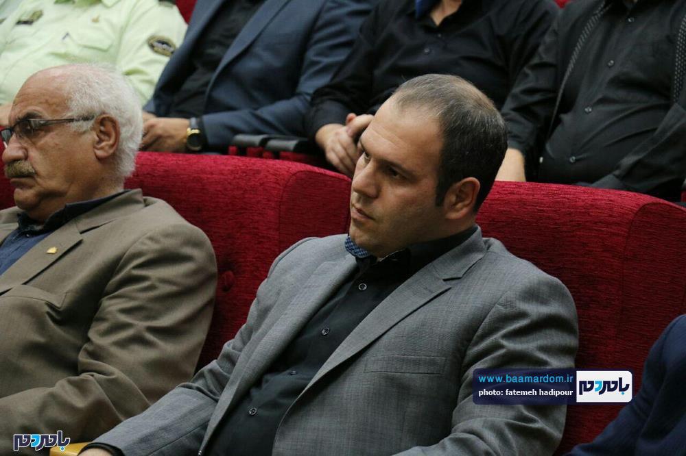 سوگواره شعر عاشورایی در لاهیجان 2 - برگزاری نخستین سوگواره شعر عاشورایی به همراه تجلیل از پیر غلامان حسینی در لاهیجان / گزارش تصویری