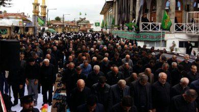 نماز باشکوه ظهر عاشورا در گیلان اقامه شد