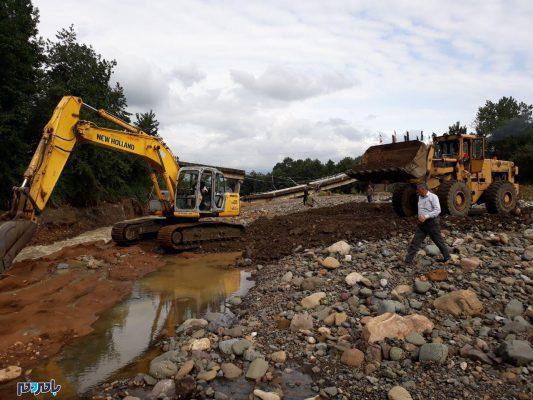عملیات بازسازی پل کیازنیک املش 2 533x400 - شروع عملیات بازسازی پل کیازنیک املش تنها یک روز پس از تخریب + تصاویر