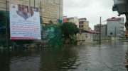 شهردار لنگرود زیر باران چکمه پوشید اما سوژه رسانهها شد! / تصاویر