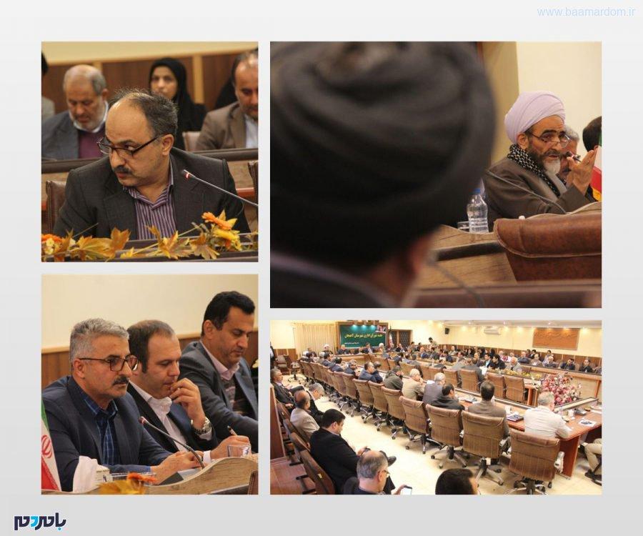 واکنشهای جالب امام جمعه و رئیس شورای شهر به اظهارات حاشیهای نماینده لاهیجان در جلسه شورای اداری
