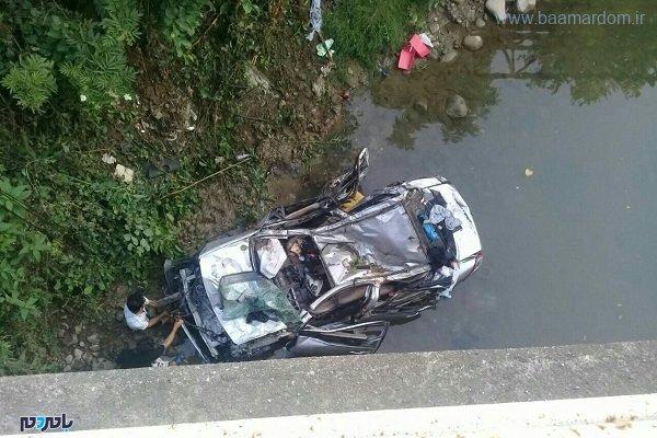زخمی در برخورد خودروی سواری با حفاظ پل در کلاچای - ۵ زخمی در برخورد خودروی سواری با حفاظ پل در کلاچای