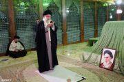 حضور مقام معظم رهبری در مرقد امام خمینی (ره) و گلزار شهدا