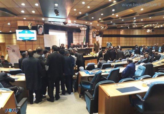 عمومی خانه احزاب 575x400 - زد و خورد و درگیری در مجمع عمومی خانه احزاب