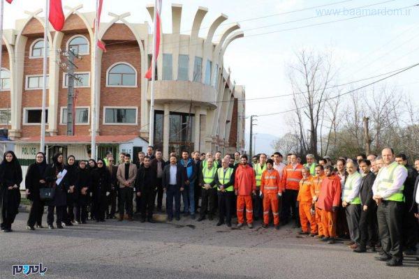 معابر شهر لاهیجان در آستانه سال نو از زباله پاکسازی شد 6 600x400 - معابر شهر لاهیجان در آستانه سال نو از زباله پاکسازی شد