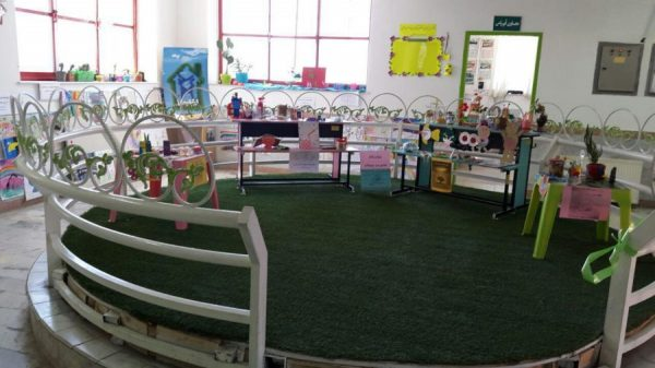 نمایشگاه مدیریت پسماند در مدرسه سبز سما لاهیجان به مناسبت هفته زمین پاک 1 600x337 - برپایی نمایشگاه مدیریت پسماند در مدرسه سبز سما لاهیجان به مناسبت هفته زمین پاک
