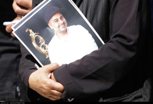 اولین تصاویر | پیکر بهنام صفوی به خاک سپرده شد