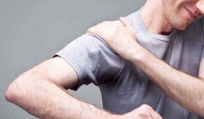 بهترین راه درمان افتادگی شانه در ۱۰ دقیقه