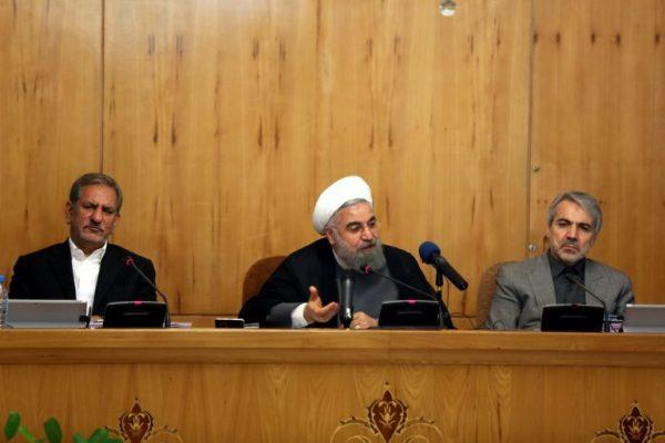 در هیات دولت 600x400 - توقف برخی اقدامات در چارچوب بندهای ۲۶ و ۳۶ برجام، حداقل اقدام تهران است/ اقدامات امروز آمریکایی ها علیه ملت ایران جنایت علیه بشریت است