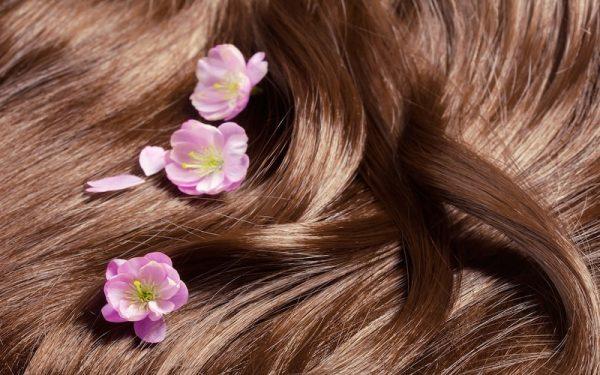 موهای ابریشمی 600x375 - با این ماده موهایی ابریشمی داشته باشید