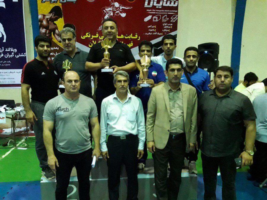 کسب مقام سوم تیمی هیئت کشتی لاهیجان در رده خردسالان مسابقات قهرمانی استان گیلان