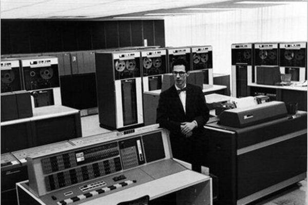 کورباتو 600x400 - مخترع پسورد درگذشت