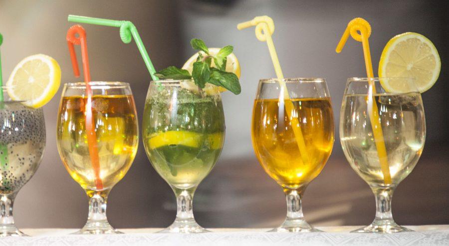 این نوشیدنیها را بخورید تا پیر نشوید