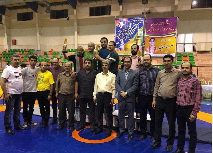 کسب مقام اول تیم کشتی زیر خردسالان لاهیجان در مسابقات استانی