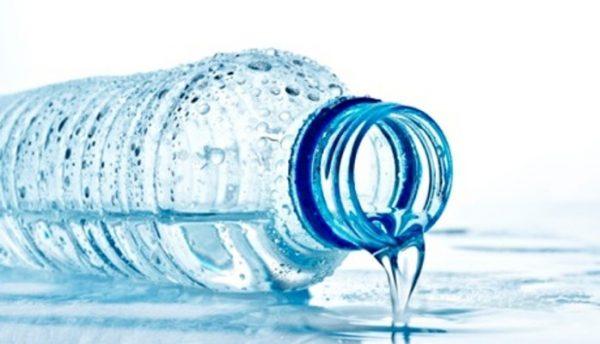 های پلاستیکی 600x344 - عوارض استفاده دوباره از بطری های پلاستیکی
