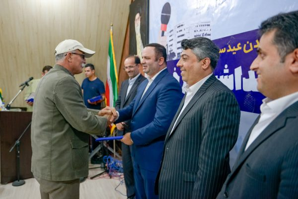roz khabarnegar1 600x400 - آئین نکوداشت روز خبرنگار در منطقه آزاد انزلی برگزار شد
