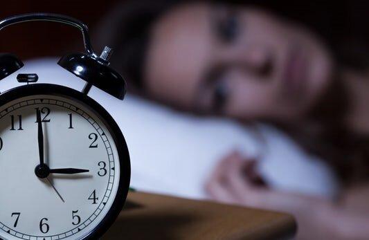 قبل از رفتن به رختخواب برای رفع بی خوابی این نقطه را فشار دهید