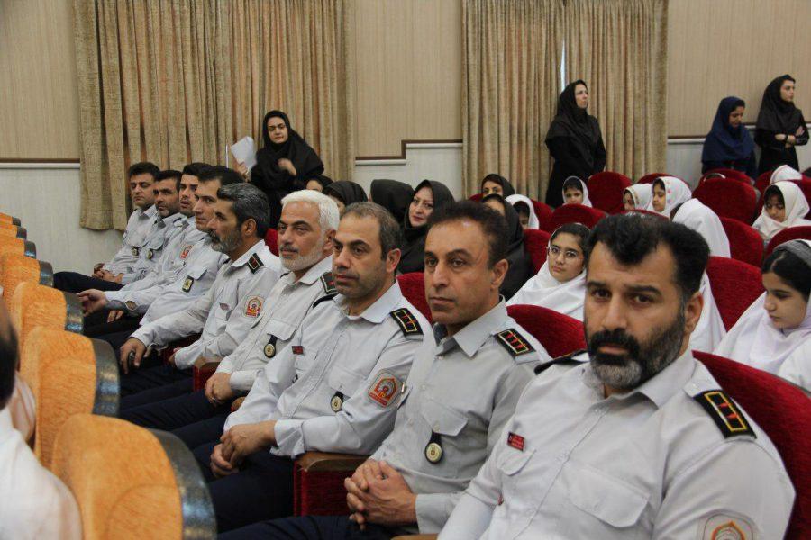 روز آتش نشانی و ایمنی ویژه برنامههای این روز در لاهیجان 10 - حضور شهردار و اعضای شورای شهر لاهیجان با لباس آتشنشانی در ویژه برنامههای این روز + تصاویر