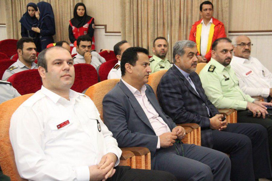 روز آتش نشانی و ایمنی ویژه برنامههای این روز در لاهیجان 4 - حضور شهردار و اعضای شورای شهر لاهیجان با لباس آتشنشانی در ویژه برنامههای این روز + تصاویر